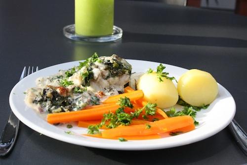 Sejfilet på spinatbund med oste/hvidvinssauce, 6 pers.