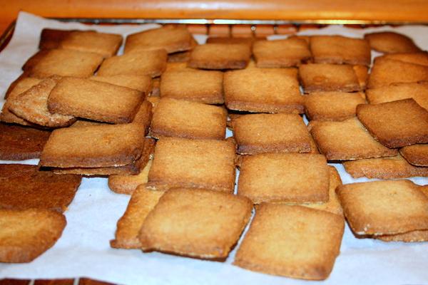 Sprøde ingefær småkager, 3 plader