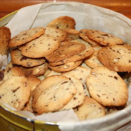 Ingefær småkager med nødder og chokolade, ca. 150 stk.